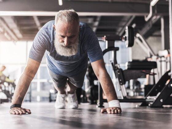 personne âgée musculation sport muscle